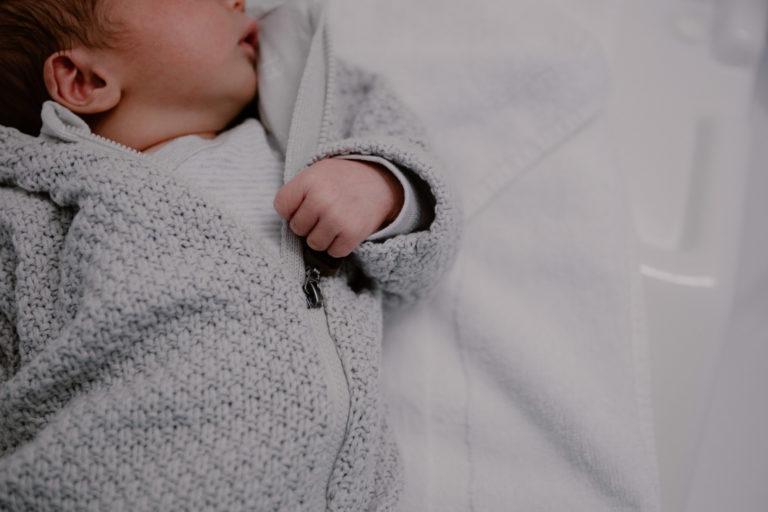 portrait d'un nourrisson de deux jours