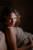 Portrait de profil d'une femme enceinte de 8 mois