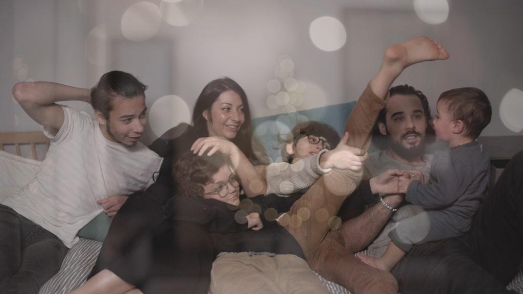 film-famille-paris-la-fille-en-combi